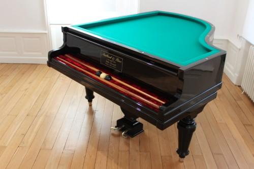 Piallard & Bino - Un piano sans cordes auquel il manque les touches