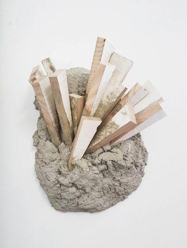 Sans titre (Chutes) -  2017, béton, bois, enduit de lissage, 45 x35 x 16 cm