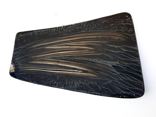Sans titre (P 104) - 2018, pare-brise, encre de chine. 120 x 80 x 30 cm