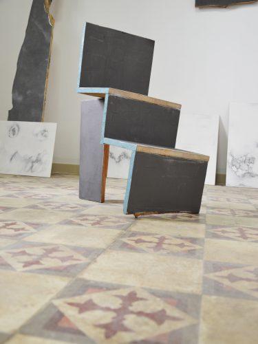 Sans titre (chute bois) - 2017, bois, enduit de lissage, graphite. 80 x 20 cm.
